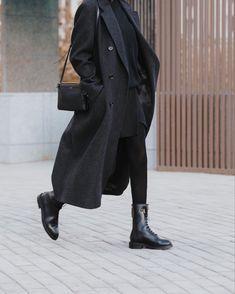 Winter Fashion Outfits, Look Fashion, Korean Fashion, Winter Outfits, Womens Fashion, Classy Fashion, Party Fashion, Fashion 2020, Fashion Shoes