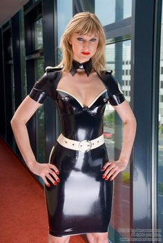 Порно ремис в латексном платье фото 509-356