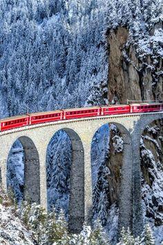Treno rosso del Bernina.