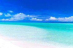 沖縄 コンドイ浜 ビーチ Exotic Beaches, Tropical Beaches, Beach Pink, Ocean Beach, Ocean Wallpaper, Island Resort, Paradis, Vacation Pictures, Statues
