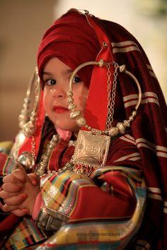 Libyan girl dressed heritage