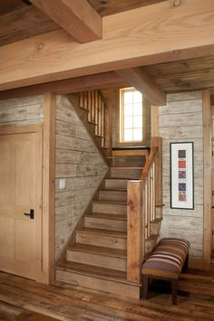 Adorable Cozy And Rustic Chic Living Room For Your Beautiful Home Decor Ideas 196 - Interior Ideas Rustic Staircase, Staircase Design, Staircase Ideas, Railing Ideas, Cabin Homes, Log Homes, Tiny Homes, Timber House, House Stairs