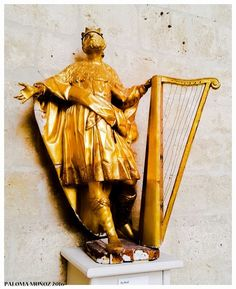 Rey David. Claustro de la catedral de Palencia. Anónimo. Madera policromada. Cathedral of Palencia, Spain. King David Polychiorme wood Anonymous.