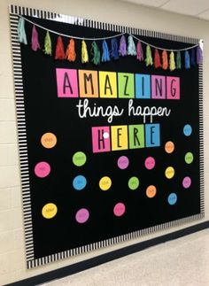 Excellent DIY Classroom Decoration Ideas & Themes to Inspire You 35 Beautiful & Inspiring Classroom Decoration Ideas // Classroom Decor Preschool // Classroom Decorations // Decorate Classroom Classroom Wall Decor, Diy Classroom Decorations, Classroom Walls, Classroom Bulletin Boards, New Classroom, Classroom Design, Classroom Organization, Classroom Displays, Bulletin Board Ideas For Teachers