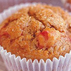Rhubarb, cinnamon and brown sugar muffins