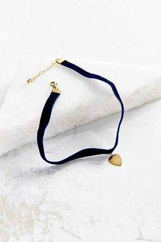 Velvet Renaissance Choker Necklace - Urban Outfitters