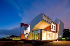 """La #maison aux allures d'ailes d'oiseau (""""House on the flight of birds"""") de  Bernardo Rodrigues, #Portugal"""
