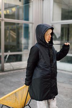 kurtka ŚNIEŻNA CHMURA - METR64 - Torby Nerki Plecaki ... Raincoat, Winter Jackets, Turtle Neck, Sweaters, Fashion, Rain Jacket, Winter Coats, Moda, Sweater