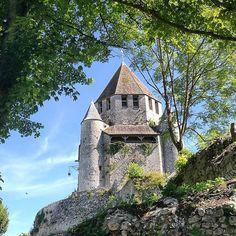 Exploring the #citemedievale #provins #seineetmarne #france #ballade #travel #americanmominbordeaux #ete #summer #minigetaway #medieval #huaweip9