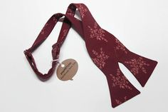 Freestyle Wine Bow Tie - Branch Bow Tie - Floral Bow Tie - Handmade Men's Bow Tie - Self-Tie Bow Tie - Burgundy Bow Tie - Calico Bow Tie 10% off with promo code PIN10 #popARTicles #bowtie #burgundybowtie