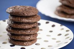BEST Keto Cookies! Low Carb Keto Chocolate Fudge Brownie Cookies Idea – Quick & Easy Ketogenic Diet Recipe – Completely Keto Friendly Chocolate Brownie Cookies, Keto Chocolate Cake, Low Carb Chocolate, Chocolate Desserts, Mint Chocolate, Chocolate Chips, Keto Desserts, Diabetic Deserts, Keto Snacks