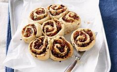 Tomato and ham scrolls recipe  - Better Homes and Gardens - Yahoo!7