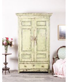 Armario Antiguo Restaurado Mimi Armoire, Diy, Furniture, Home Decor, Interior, Blog, Old Cabinets, Cheap Furniture, Industrial Furniture