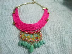 collar pepas de color