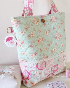 Confident sewists will love the easy layout and simple steps that outline how to sew this lovely tote bag. It features an English paper pieced panel that includes four hand embroidered hexagons. The flower and bee hexagon designs are sewn in back stitch, lazy daisy stitch, satin stitch