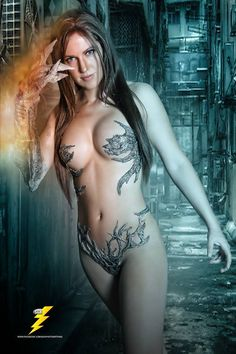 Jacqueline Goehner as Witchblade. Now, this is impressive cosplay