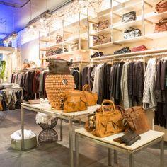 kleding, accessoires en homewear. Just B. invited Grote Houtstraat 163 2011 SL Haarlem