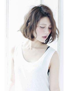 紗栄子さん風 小顔 無造作ウェーブノームコア×エアウェーブ - 24時間いつでもWEB予約OK!ヘアスタイル10万点以上掲載!お気に入りの髪型、人気のヘアスタイルを探すならKirei Style[キレイスタイル]で。
