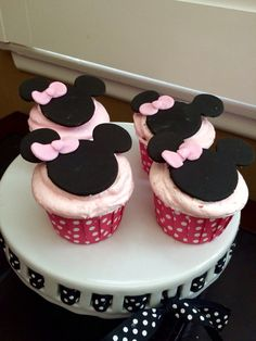Minnie Mouse themed Baby Shower Cupcakes
