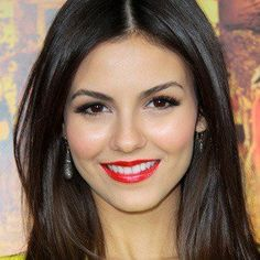 Image from http://www.famousbirthdays.com/headshots/victoria-justice-4.jpg.