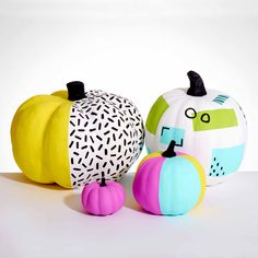 Give your fall pumpkins a 90s vibe with this modern Memphis style painted pumpkin. Your Halloween will be totally tubular when you try this no-carve, painted pumpkin pattern.