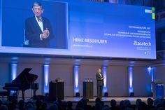 """In seiner Festansprache ermutigte Bundesminister a. D. Heinz Riesenhuber zu Innovationen: """"Wer Angst hat hinzufallen, kann nur auf dem Bauch kriechen."""" (Foto: acatech/P.Himsel)"""