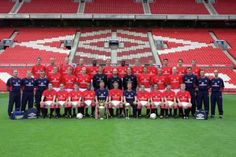2000-01 Manchester United Squad Manchester United Legends, Manchester United Football, Premier League Champions, European Cup, Europa League, Squad, The Unit, Seasons, Theatre