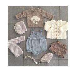 This Pin was discovered by Iry Baby Knitting Patterns, Knitting For Kids, Baby Patterns, Cardigan Bebe, Baby Cardigan, Diy Crafts Knitting, Pull Bebe, Knitted Baby Clothes, Baby Knits