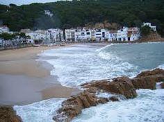 Tamaríu. Adoro Cuando El Mar Huele A Mar. Me Gusta Leer O Escribir Sintiendo El Oleaje.