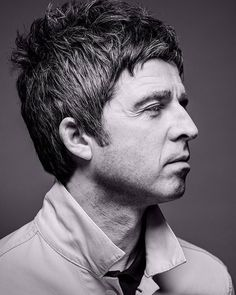 """""""when I left Oasis I was offered big record deals by all the majors but it never crossed my mind once to sign with them,"""" (…) """"Once you've been on a label like Creation you can't take the A Noel Gallagher, Liam Oasis, Oasis Band, Mod Hair, Primal Scream, Trendy Haircuts, Shaggy Hairstyles, Blue Suede Shoes, Musica"""