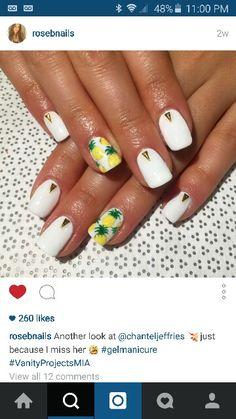 White pineapple nail design. Yes!