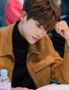 Strong Woman Do Bong-soon (힘쎈 여자 도봉순) Korean - Drama - Picture Park Hyung Sik, Ahn Min Hyuk, Yongin, Do Bong Soon, Mandy Moore, S Man, Hyde, Korean Actors, Korean Drama