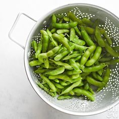 Perhaps you have eaten them at sushi bars or seen them in the snack aisle at grocery stores. Edamame comes from a special variety of soybean plant. Learn how to cook edamame and enjoy it in a variety of ways. #edamame #healthy #beans