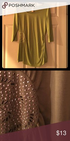 MAKE AN OFFER‼️Miss Tina Beaded Rouched Top Size M Miss Tina 3/4 sleeve knit top with side ruching size medium. Green with beaded ruching. Poly/Rayon Miss Tina Tops