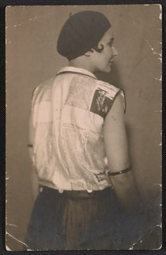 Kate Steinitz at the Cinnabar Festival, Hannover, 1928 Jan. from the Kate Steinitz papers, circa Vintage Art, Vintage Photos, Archives Of American Art, Roaring Twenties, Women In History, Cabaret, Art World, Female Art, Fashion Photo