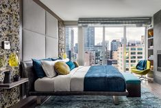 When it comes to bed designs, it doesn't get more versatile than a low platform bed. Browse these 28 gorgeous bedrooms to discover unique ways to style a low platform bed. Home Design, Bed Design, Interior Design, Interior Ideas, Contemporary Bedroom, Contemporary Furniture, Low Platform Bed, Boho Chic, Sophisticated Bedroom