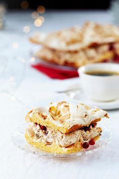 Luumu-puolukkabrita | Joulu | Pirkka #food #Christmas