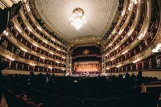 Samyang 8mm fisheye Teatro alla Scala, Milano