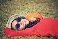 grass, lying down, lying on back, field, one person, leisure activity, day, relaxation, nature, lifestyles, outdoors, real people, young adult, young women, one woman only, adult, only women, adults only, one young woman only, close-up, people