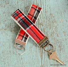 Handmade Gifts 2014- DIY Vintage Fabric and Webbing Key Chains - My So Called Crafty Life