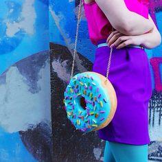 Artista holandesa cria bolsas e acessórios em formato de doces   Estilo