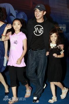 Jet Li and his daughters