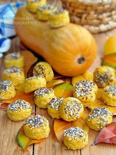 Sütőtökös pogácsa Cantaloupe, Ale, Garlic, Food And Drink, Low Carb, Sweets, Snacks, Fruit, Vegetables