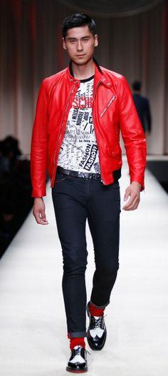 Модные джинсы Moschino