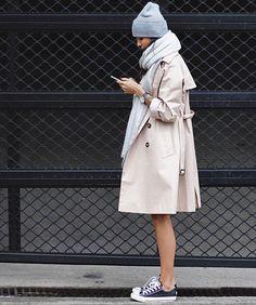 Maxi écharpe + bonnet + jambes nues = le bon mix ? (instagram Pepamack)