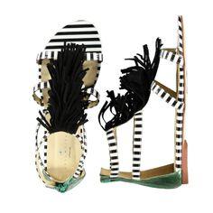 Des sandales rayées frangées
