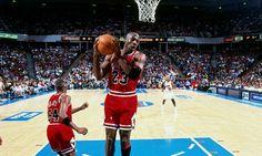La historia del día que Jordan pegó un puñetazo a un compañero. Lo recuerda Horace Grant #baloncesto #basket #basketbol #basquetbol #kiaenzona #equipo #deportes #pasion #competitividad #recuperacion #lucha #esfuerzo #sacrificio #honor #amigos #sentimiento #amor #pelota #cancha #publico #aficion #pasion #vida #estadisticas #basketfem #nba