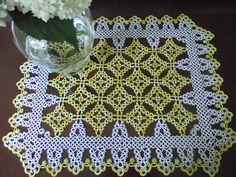 "Rectangular tatted doily 13"" x 16 1/4"" Size 20 Pineapple Parfait & White - pattern -Jan Stawasz"