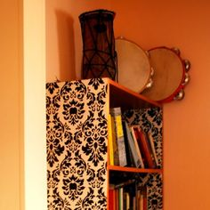 How to give your bookshelves a makeover via @Guidecentral - Visit www.guidecentr.al for more #DIY #tutorials