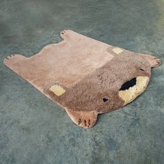 bear skin rug... maybe for a wildlife/forest themed bedroom for boys... make my own?